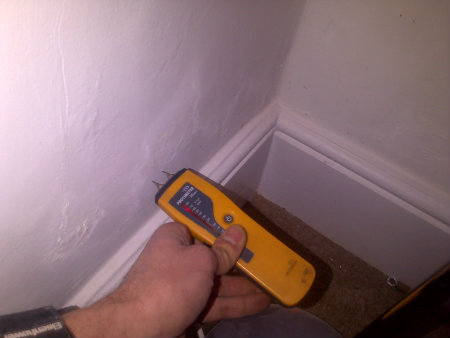 signs of rising damp in tooting sw17
